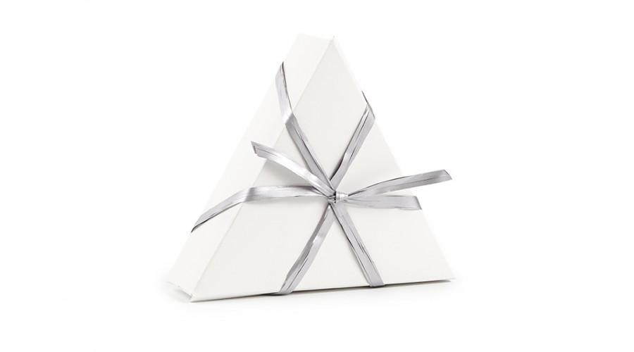 Срібляста рафия для оформлення подарунків