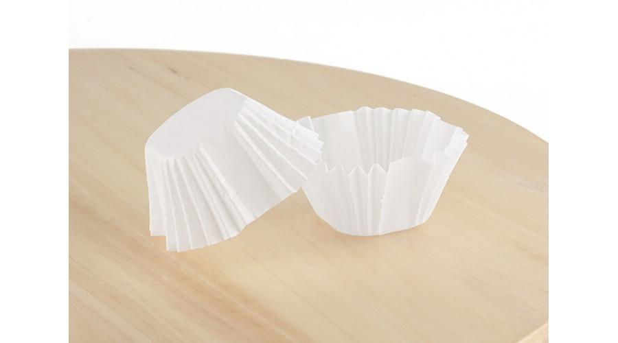 Білі квадратні формочки для цукерок