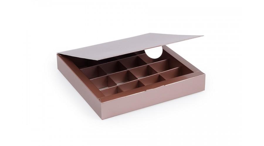 Коробка на 16 цукерок з картону, кольору металік. 185х185х30